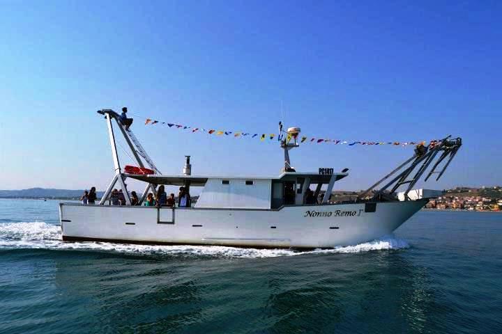 Pescaturismo lungo la costa dei trabocchi
