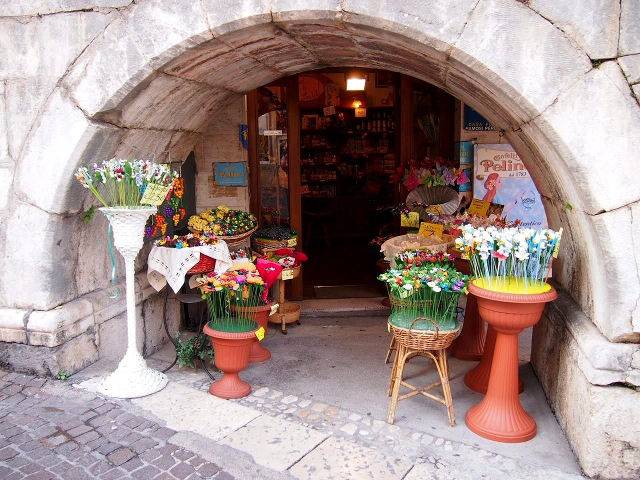 Sulmona, città d'arte, poeti e  gustose fragranze