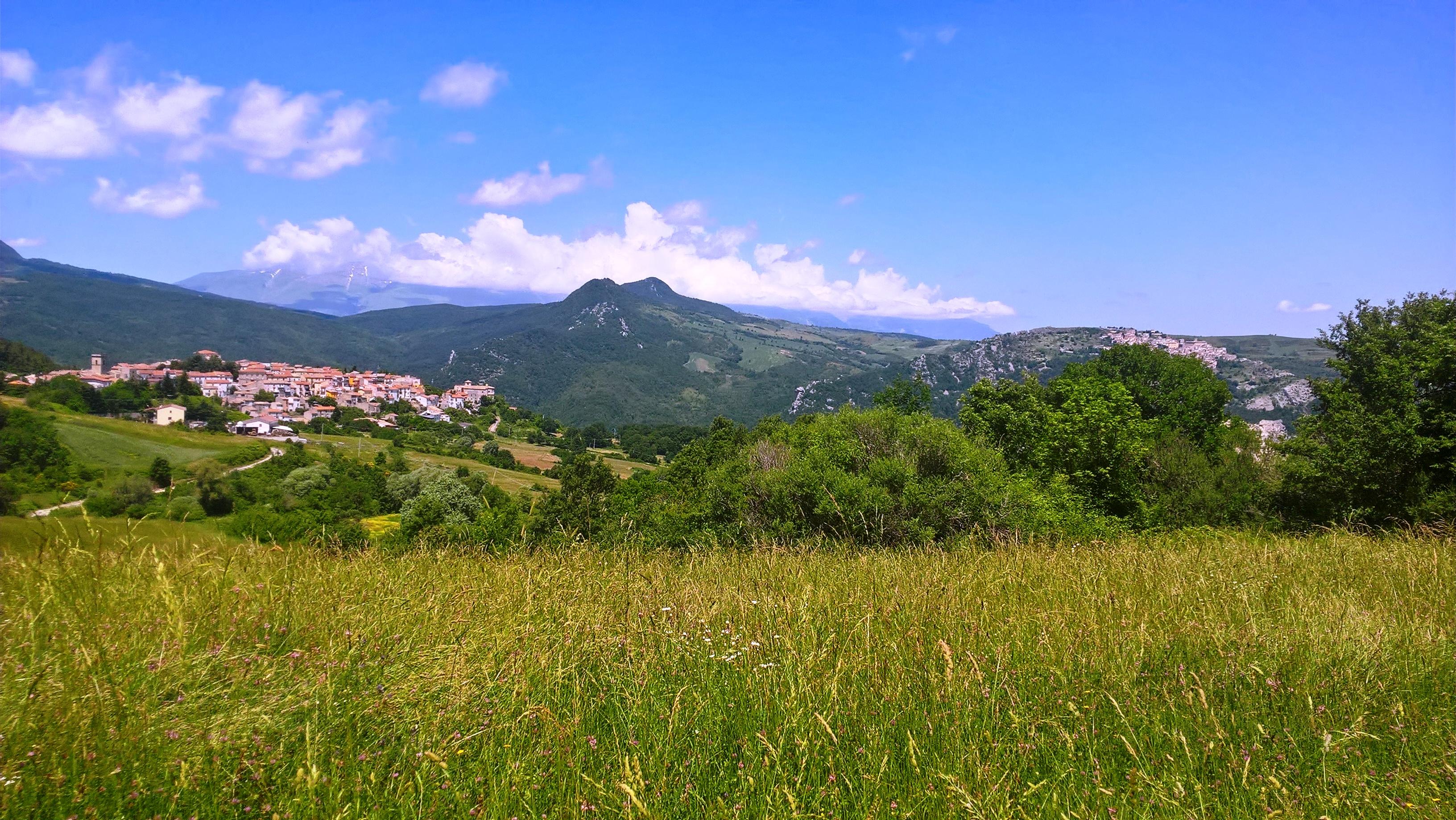 L'Abruzzo tra mare, monti, cibo, vini, arte e storia